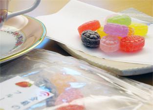 懐かしいお菓子。お仕事の休憩時間などにお楽しみください。